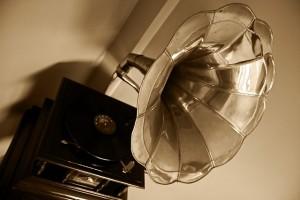 gramophone-63753_640