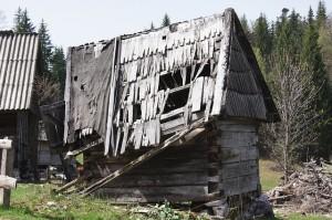 hut-172789_640