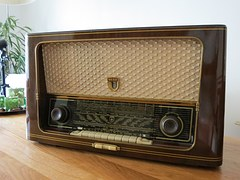radio-476452__180
